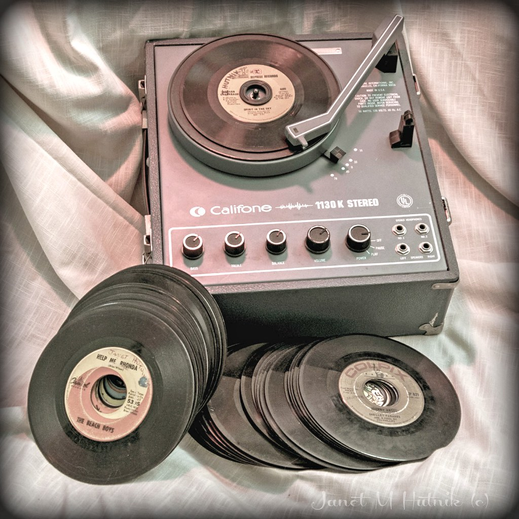 The World's Best Photos of recordplayer and vintage - Flickr Hive Mind