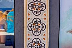 Stuff On Walls (LarryJay99 ) Tags: 2018 beach streets people ftlauderdale ocean atlanticocean walls
