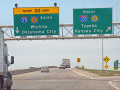 Signs at Emporia Interchange, 29 Apr 2018 (photography.by.ROEVER) Tags: aprilroadtrip roadtrip vacation trip kansas kansasroadtrip april 2018 april2018 drive driving driver driverpic ontheroad sign bgs biggreensign interchange ramp exit i35 i335 kta kansasturnpike interstate road highway emporia lyoncounty emporiatollplaza usa