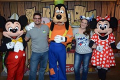 Tony, Heather, and the gang at Disney World | MouseMingle.com