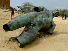 Igor Mitoraj's Icarus sculpture next to the Temple of Concordia (stillunusual) Tags: sicily italy agrigento valleyofthetemples valledeitempli vaddidilitempri agrigentum akragas history historicalplaces igormitoraj statue sculpture art artwork publicart contemporaryart modernart templeofconcordia holiday vacation travel travelphotography travelphoto travelphotograph 2018