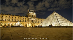 nuit au musée 4 (Pierre-Alain Lombard) Tags: paris france le louvre capitale musée pyramide nuit blue night silver gold monuments