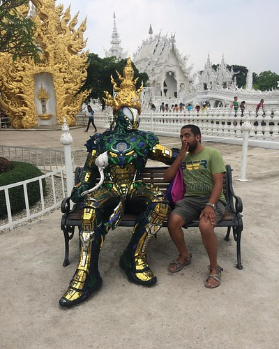 Epic picture of the day #whitetemple #chiangrai #thailand