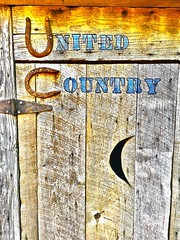 """Sittin' Pretty"" (Halvorsong) Tags: art composition wood doors sign signs classic old oldschool america americana explore discover roadside roadtrip rural rurallife country countryside texture textures textured sun sunlight sunshine photography photosafari hiddengems fun wow architecture weathered cleanlivin contrast outdoor nashville"