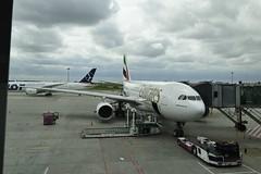 UKABEL2013_2402 (wallacefsk) Tags: poland warsaw ªiäõ μø¨f aeroplane emirates a332 airbus airport 波蘭 華沙