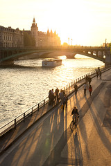 Sunset over the Conciergerie (David Khutsishvili) Tags: paris france conciergerie golden hour shadows warm tones parisian cliche seine la river cityscape summer vertical dkhphoto davitkhutsishvili d800 nikon motion lifestyle sunset