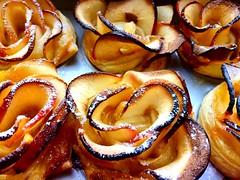 Muttertag 😍 Mothers Day (Frau D. aus D.) Tags: kuchen sunday sonntag iphone calories kalorien cake gebäck apfelrose mothersday muttertag