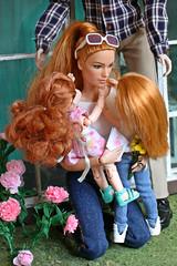 Happy Mother's Day! (kinmegami) Tags: mera doll homme integrity toys barbie barbiemadetomove hybrid chelseadoll kelly obitsu 11 picconeemo diorama miniature miniatureflowers maledoll madetomove