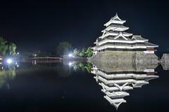 黑與白(DSC_3916) (nans0410(busy)) Tags: japan naganoprefecture matsumotocastle lighting building nightview scenery outdoors historiccastle matsumoto まつもとじょう からすじょう 日本 長野縣 松本市 松本城 天守閣 國寶城