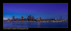 St. Pauli Landungsbrücken (H. Roebke) Tags: 2018 canon1635mmf28lisiii de canon5dmkiv color stadtansicht stpauli cityview landungsbrücken nightshot panorama bluehour lightroom blue skyline