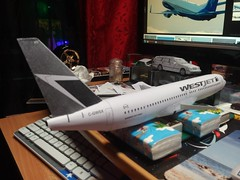 IMG_20180119_163131 (Hipo 50's Maniac) Tags: boeing 737800 westjet papercraft 1100 scale by paperreplikacom paper model aircraft jetliner plane 737 next generation