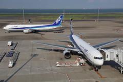 NH B763 JA8669 (EddieWongF14) Tags: allnipponairways ana boeing boeing767 boeing767300 boeing767381 b767 b763 767 763 767300 767381 ja8669 hnd rjtt tokyointernationalairport hanedaairport