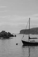 The Isle of Islay (Bruyere42) Tags: schottland himmel ocean scotland meer sommer fahrzeuge länder boot sky boat wasser landschaft insel islay countries rannoch grosbritannien gb