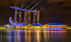 Let Your Colours Burn (Anna Kwa) Tags: marinabaysands mbs marina bay laserlightshow artsciencemuseum singaporeriver singapore longexposure annakwa nikon d750 2401200mmf40 my light memories always seeing heart soul throughmylens colours beats alive shine owlcity shootingstar