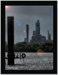 Refinery on the Brisbane river