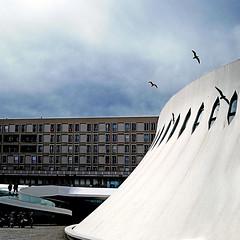 Le Havre (pom.angers) Tags: panasonicdmctz101 lehavre 76 seinemaritime normandie france europeanunion architecture augusteperret oscarniemeyer 1978 1982 1945 1954 20thcentury 100 birds gulls seagulls may 2018 200
