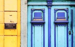 Dr. Lawyer (emerge13) Tags: lahabanaviejacuba habanacuba cuba havana lahavane doors simplistic habana portes architecturaldetails architecturalheritage architecture puertas textures blue yellowandblue yellow minimal saariysqualitypictures