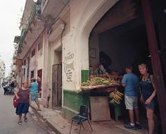 Streets of Havana - Cuba (IV2K) Tags: havana habana lahabana habanavieja cuba cuban kuba cubano caribbean kodak kodakfilm kodakportra portra kodakportra400 mamiya mamiya7 mamiya7ii mediumformat 120film