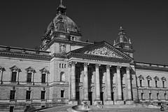 Bundesverwaltungsgericht, Leipzig (herbert@plagge) Tags: architektur gebäude bundesverwaltungsgericht leipzig stadt deutschland federaladministrativecourt architecture city germany blackandwhite