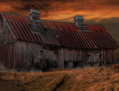 Old Vacant Barn (whalenbrenda) Tags: barn old weathered sunset clouds sunsetlovers nature vacant past outdoors landscape rough textured cloudy grass photography image redroof sky photoofday longexposure country countryliving
