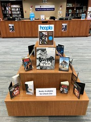 Star Wars in COM Library (The COM Library) Tags: starwars comlibrary bookdisplay books collegeofthemainlandlibrary collegeofthemainland