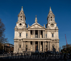 St Pauls 0647 (stagedoor) Tags: london stpauls ludgatehill christopherwren cathedral listed grade1 building architecture olympus omdem1mkii copyright city glc greaterlondon cityoflondon capital england uk church chapel ecclesiastical outside exterior facade