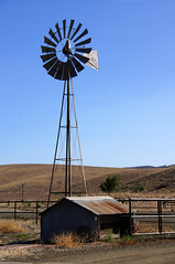 Aeromotor Since 1888 (nedlugr) Tags: california ca usa santabarbaracounty aeromotor windmill fence ruralwest rural ranch 4deerranch centralcoast shed omot