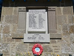Arbuthnott War Memorial, Aberdeenshire, May 2017 (allanmaciver) Tags: arbuthnott war memorial granite lewsi grassic gibbon centre names lestweforget remember service sacrifice men world first second wreath red community location allanmaciver peattie allardyce brenzies hill bamph greenden millplough alpity