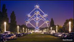 20180515 Atomium by night, Brussel (Koen Brouwer) Tags: atomium brussel night nacht mei 2018 heizelpark heizel brussels iron darkness dark evening avond