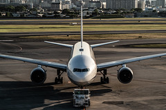 20180521 ITM JA713A (dora9092) Tags: boeing777281 伊丹空港 ana rjoo osakainternationalairport 大阪国際空港 allnipponairways 全日空 itm 777200 展望デッキ itamiairport