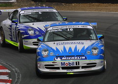 9a - Sam Edwards & Andy Britnell battle for 5th, a battle which Britnell will win (Boris1964) Tags: 2005 porschecarreracupgb brandshatch