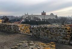 Lublin Castle at sunrise - view from the old town (Adam Nowak) Tags: zamek słońce refleksy starówka perspektywa