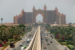 Hotel Atlantis auf The Palm Jumeirah, Dubai, 17.05.2018 (-cg86-) Tags: atlatis palm island jumeirah dubai monorail insel hotel skyline disneyland thepalmjumeirah