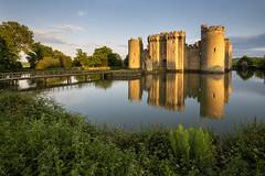 Bodiam Castle (Simon Wootton) Tags: castle bodiamcastlelight goldenhour spring reflection bluesky