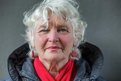 A Stranger @ Binnenhof 2018 (zilverbat.) Tags: binnenhof denhaag dutch eyes face hofstad image portrait portret portretfotografie project thehague zilverbat bokeh dof olderwoman