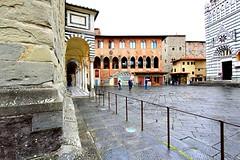 Walking in the rain in Pistoia (giobertaskin) Tags: canon duomo piazza battistero pistoia