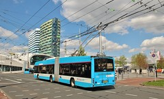 Arnhem trolleybus arriving at the hub of the network outside Centraal Station, 2nd. May 2018. (Crewcastrian) Tags: arnhem trolleybus transport