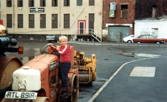 The Rockpile Club, Temple Back, Bristol, 1983 (Reg of Whitehall) Tags: bristol 1983 templeback rockpile club topcatclub turntableclub rockpileclub templeway templequay roller aveling barford rtl891r stoate flour mill quaypoint mods