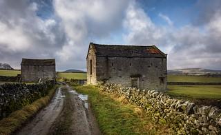 Big barn,little barn