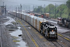 NS AC10 at Chattanooga, TN (KD Rail Photography) Tags: ns norfolksouthern sd402 electromotivedivision trains railroads transportation freighttrains railyard classiclocomotive classificationyard rain rainyweather storms stormyweather manifest localtrains diesellocomotive diesel locomotive