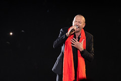Biagio Antonacci on stage (Luca Quadrio) Tags: milan rock italian pop crowd antonacci biagioantonacci forum tour stage show music singer light assago lombardia italia it