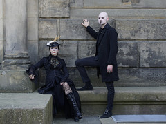 Mira & Rasmus (ingrid eulenfan) Tags: leipzig fotoshoting fotoshooting fotoshootings model südfriedhof outfits gothic gotik gotic gotica kostüm