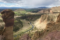 Smith Rock (~myfêtefête) Tags: centraloregon nature vacation weekend summit view hiking sunday april oregon smithrock