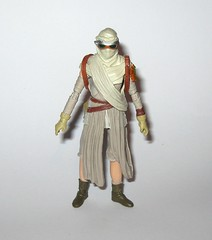 VC116 rey jakku star wars the vintage collection star wars the force awakens basic action figures 2018 hasbro m (tjparkside) Tags: rey jakku star wars vintage collection tvc vc vc116 116 basic action figures 2018 hasbro figure thevintagecollection mosc episode 7 tfa force awakens eight vii staff belt robe hood goggles desert kenner
