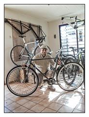 CRISTIAN BUENO / Buono Bike Boutique IV (ORANGUTANO / Aldo Fontana) Tags: chile regióndelmaule linares cristianbueno buonobikeboutique poeple personas bicicleta bicycle roadbike retrato portrait color canong10 canon aldofontana orangutano flickr simplex