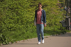 Oosterpark - Amsterdam (Netherlands) (Meteorry) Tags: europe nederland netherlands holland paysbas noordholland amsterdam amsterdampeople candid oost east est oosterpark park parc jardin garden people loenely man male homme boy twink guy sunglassees sneakers baskets trainers skets spring printemps dutch student étudiant april 2018 meteorry