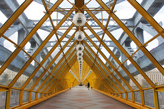 (cherco) Tags: bridge puente woman mujer alone solitario solitary silhouette silueta shadow street urban architecture arquitectura art aloner lonely solitaria yellow amarillo geometry geometric moscow russia light lines lineas flecha direccion direction vanishingpoint triangle composition colour luz