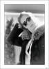 La muchacha de ojos negros (V- strom) Tags: blancoynegro blackwhite texturas textures retrato portrait mujer woman gafas glasses nikon nikond300 nikon24120 viaje travel recuerdo memory contraluz backlighting brillo reflejos brightness reflexes vstrom monocromo monochrome