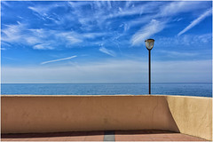 minimal ... (miriam ulivi - OFF /ON) Tags: miriamulivi nikond7200 italia liguria sestrilevante terrazza lampione murettomare cielo nuvole terrace wall streetlamp seasky clouds conventodellannunziata