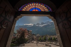 Chamonix-Mont-Blanc (Marco A Rodriguez) Tags: chamonix alps alpes puerta ciudad city montblanc church door montaña nevado iglesia francia